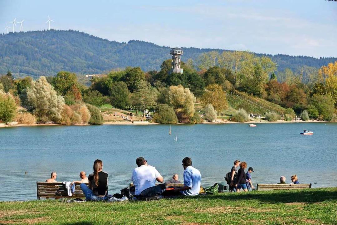 Idyllische Orte wie der Flückigersee im Seepark machen die Stadt lebenswert.    Foto: Rita Eggstein