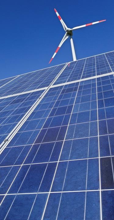 Wind- und Sonnenenergie sind in Deutschland auf Rekordkurs.     Foto: Uwe  (stock.adobe.com)
