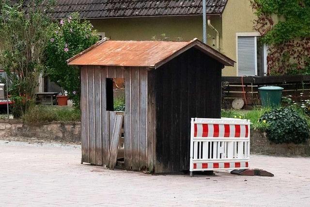 Warum dieses Mini-Häuschen auf einer Kreuzung in Sulzburg steht