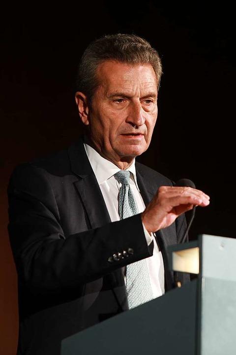 EU-Kommissar Günther Oettinger war der Festredner.  | Foto: Christoph Breithaupt