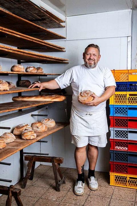 Er empfindet seine Arbeit als sinnvoll...ler hat eine Bäckerei in Emmendingen.   | Foto: Joss Andres