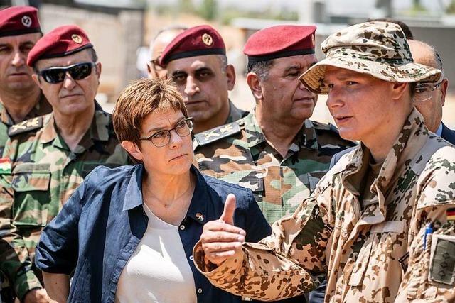 Soll Deutschlands Außenpolitik militärischer werden?
