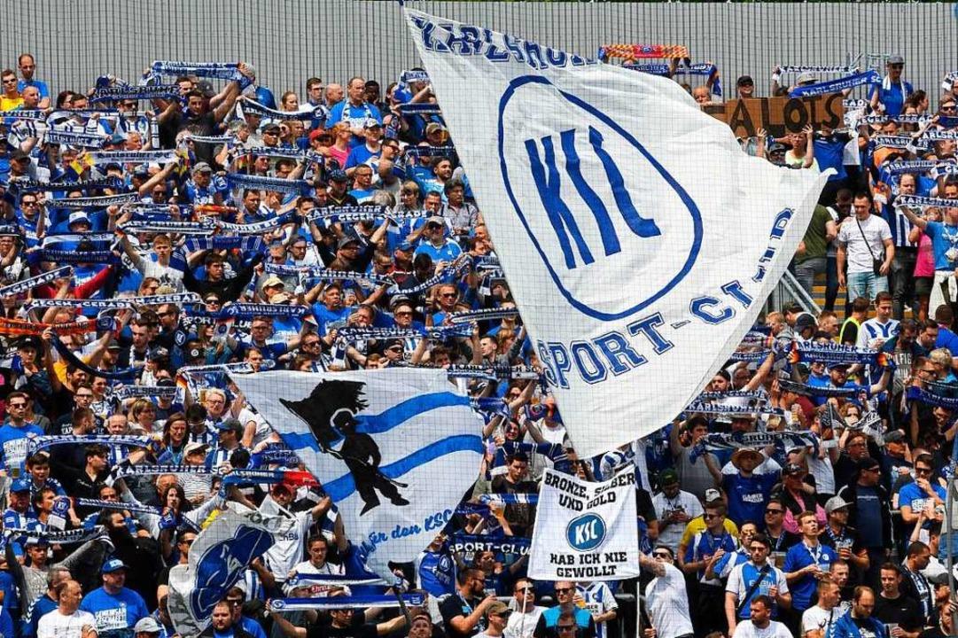 In Karlsruhe gibt es reichlich Zoff um die künftige Heimstätte der KSC-Fans.  | Foto: Uli Deck