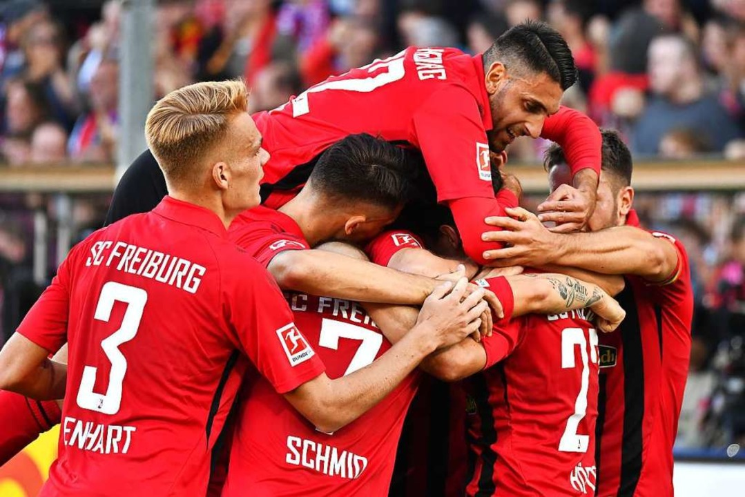 Der SC Freiburg gewinnt gegen RB Leipzig mit 2:1.  | Foto: Achim Keller