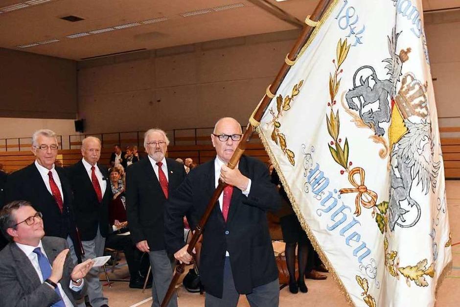 Einmarsch des Jubiläums-Gesangvereins Frohsinn (Foto: Heinz und Monika Vollmar)