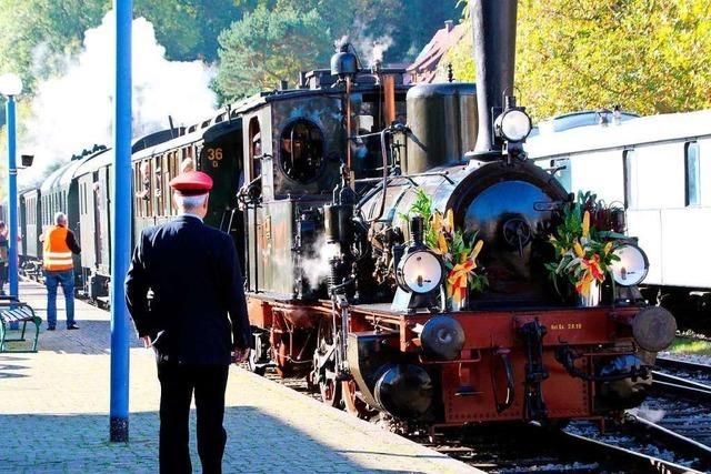 Rund 1000 Gäste fahren zum Jubiläum mit der Kandertalbahn