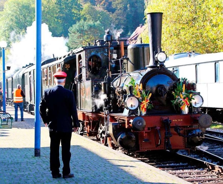 Seit 50 Jahren pendelt das Chanderli a...umszug zwischen Kandern und Haltingen.  | Foto: Reinhard Cremer
