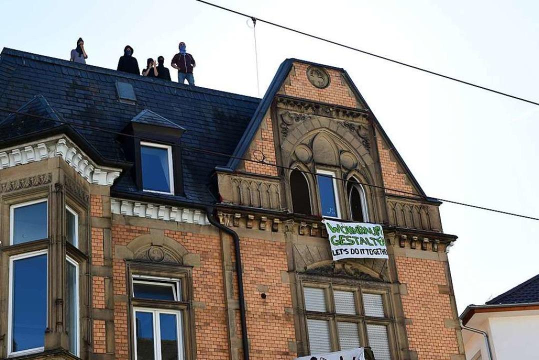 Das besetzte Haus an der Kronenstraße in der Wiehre  | Foto: Rita Eggstein