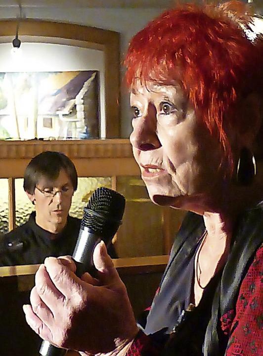 Anita Walter mit Pianist Martin Klingler im Salmen  | Foto: Anne-Kristin Freyer