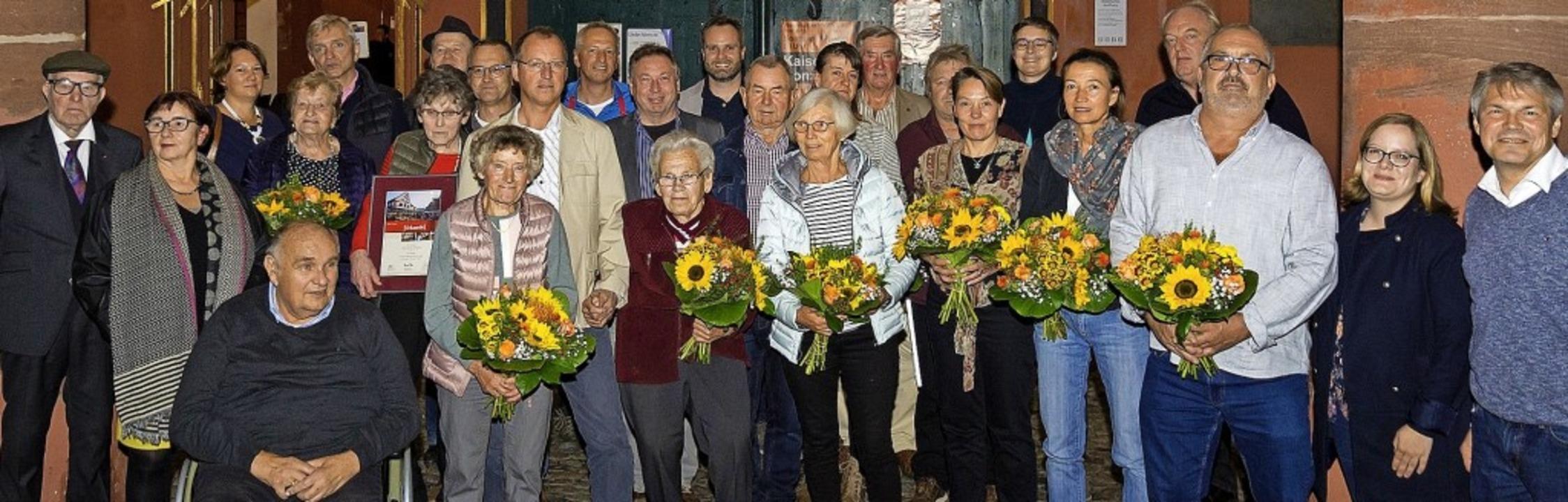 Die geehrten langjährigen Beschicker des Freiburger Münstermarkts     Foto: FWTM / Daniel Schoenen