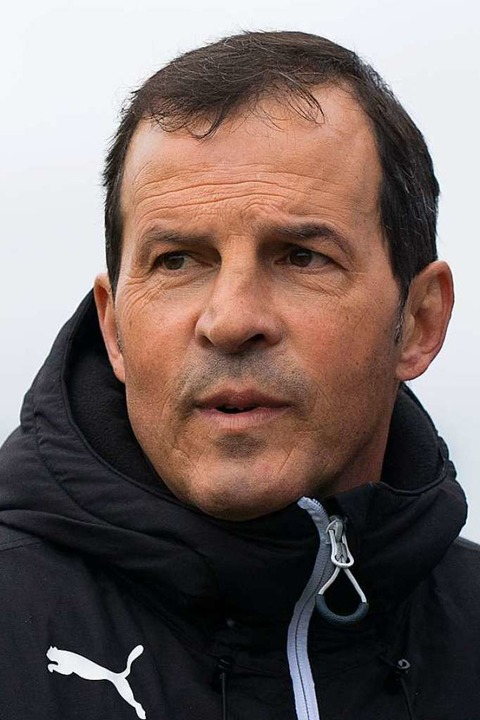 Vom Schiedsrichter enttäuscht: SVN-Coach Giuseppe Pavano   | Foto: Markus Schächtele