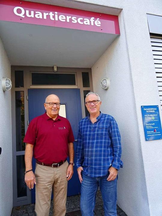 Dieter Funk (rechts) und Marno le Moul...chichte des Quartierscafés in Stetten.    Foto: Johanna Hoegg