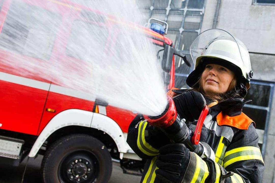 Frauen gehören in der Feuerwehr zum Al...nd empfinden das auch so (Symbolfoto).    Foto: Benjamin Nolte / noltemedia