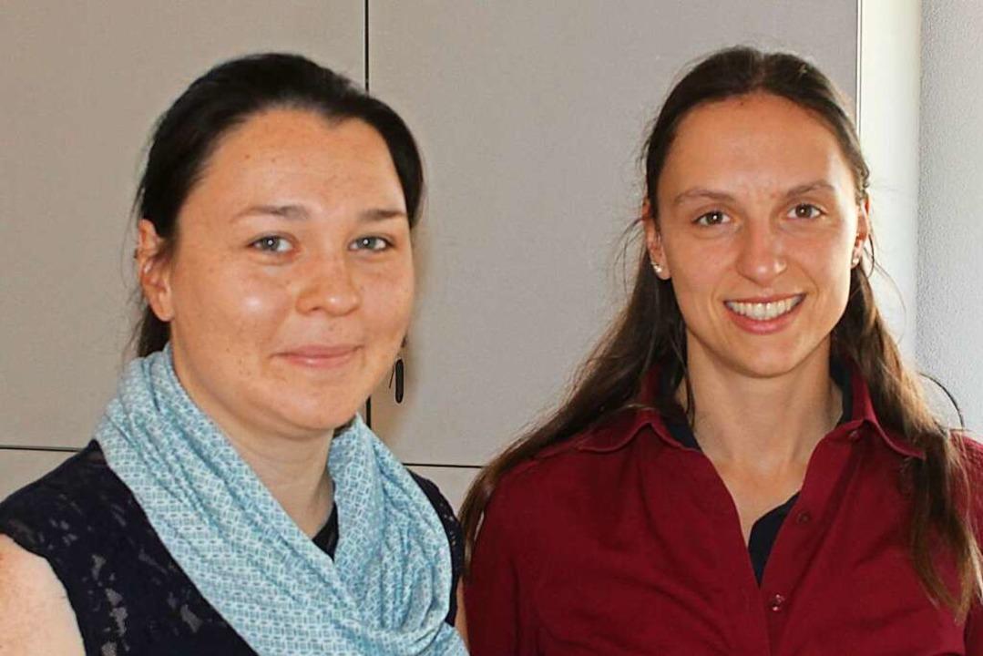 Julia Stöcklin (rechts) mit Lisa Hugenschmidt, die das Treffen organisierte    Foto: Rolf Reißmann
