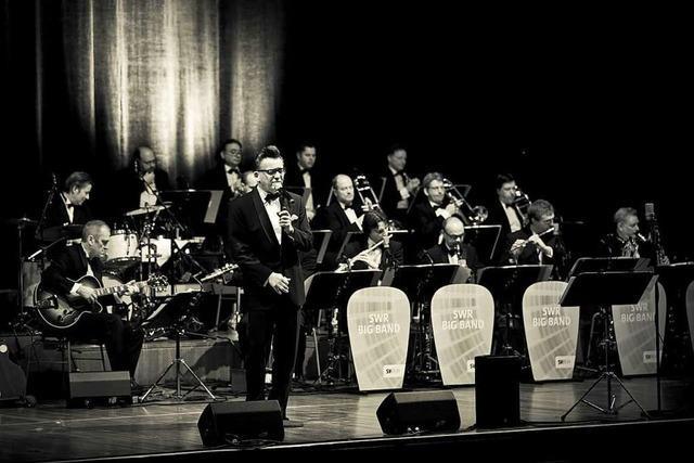 Jazzmusik im feinen Zwirn: SWR Big Band & Götz Alsmann und Gregory Porter & Band in Freiburg