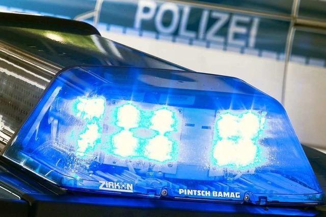 18-Jähriger greift Mann an der Straßenbahnhaltestelle