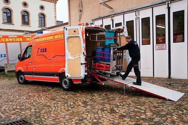 Feuerwehr Müllheim erhält neuen Transportwagen