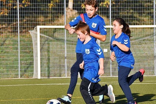 Beim FC Heitersheim kicken Jungs und Mädchen mit und ohne Behinderung