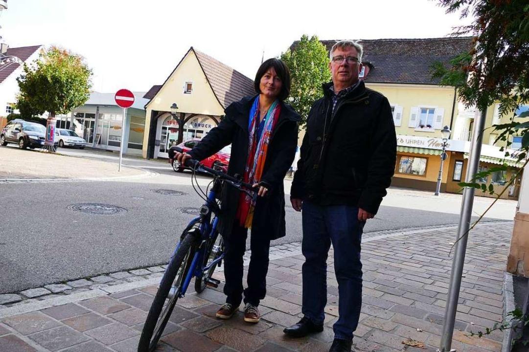 Susan Benedik und Silvio Keller sind die Köpfe der Stadtradler.  | Foto: Sophia Hesser