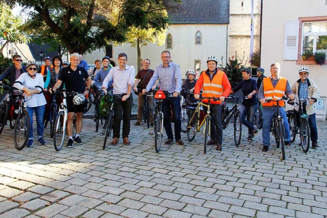 Noch vor der Bürgermeisterwahl waren d...unterwegs, um Radprobleme aufzuzeigen.  | Foto: Alexander Huber