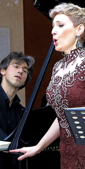 Nicholas Rimmer und Katharina Persicke beim Konzert  im Herzzentrum    Foto: Dorothee Philipp