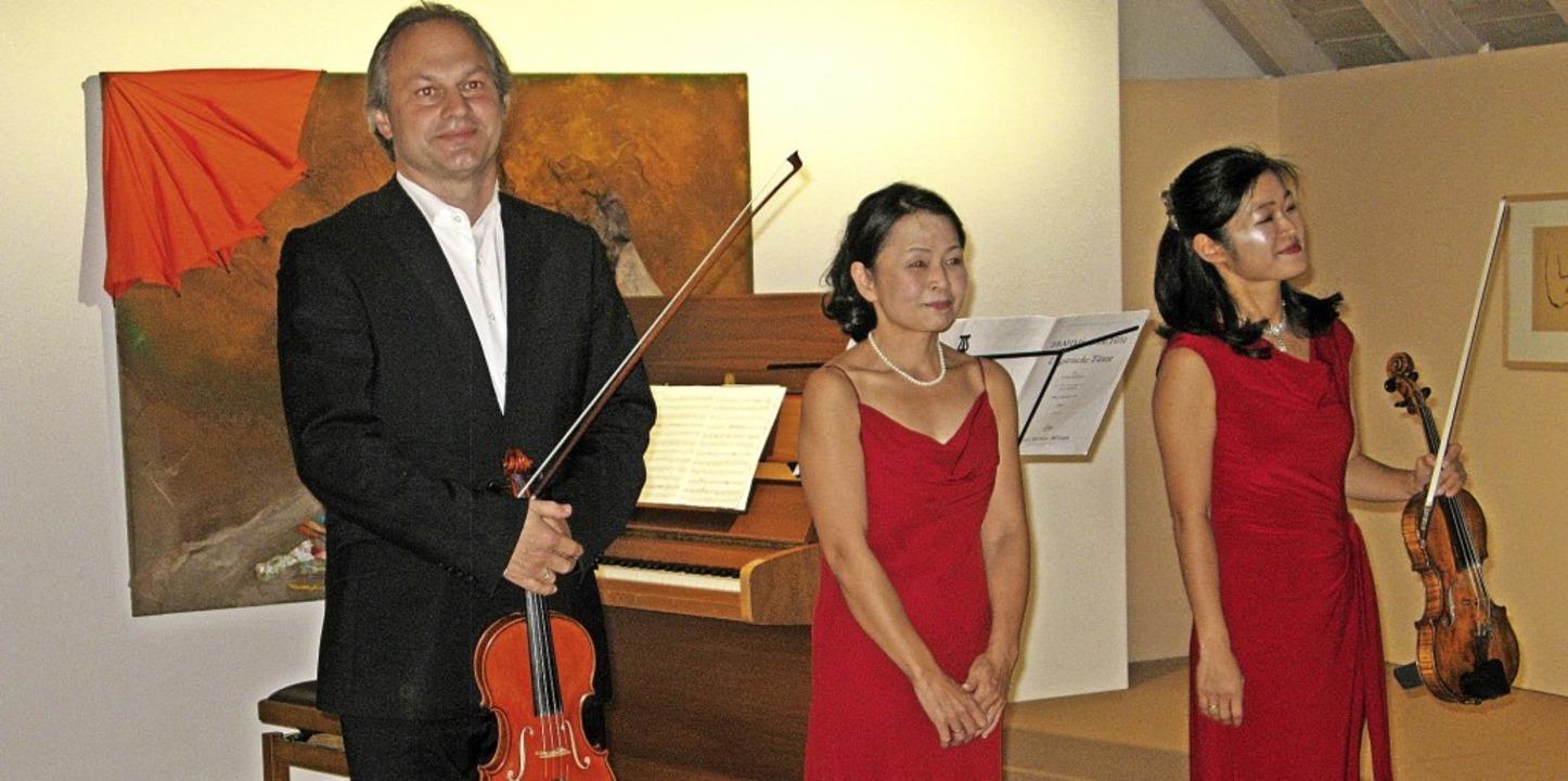 Markus Kern, Yuki Ohara und Kaoru Yama...nzert im Hans-Thoma-Museum in Bernau.   | Foto: Ulrike Spiegelhalter