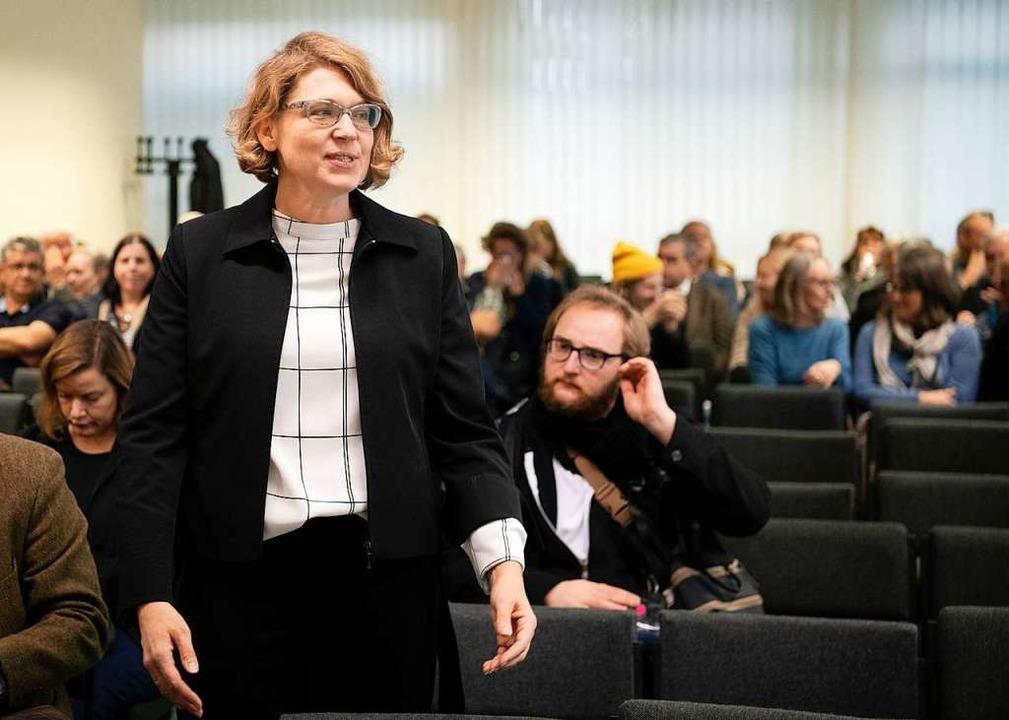 Rechtsanwältin Roda Verheyen im Verhan...saal des Berliner Verwaltungsgerichts.  | Foto: Paul Zinken (dpa)