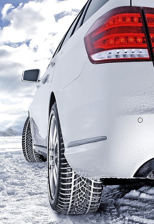 Bei Eis, Schnee und Matsch dürfen Autos nur mit Winterreifen auf die Straße.    Foto: Goodyear