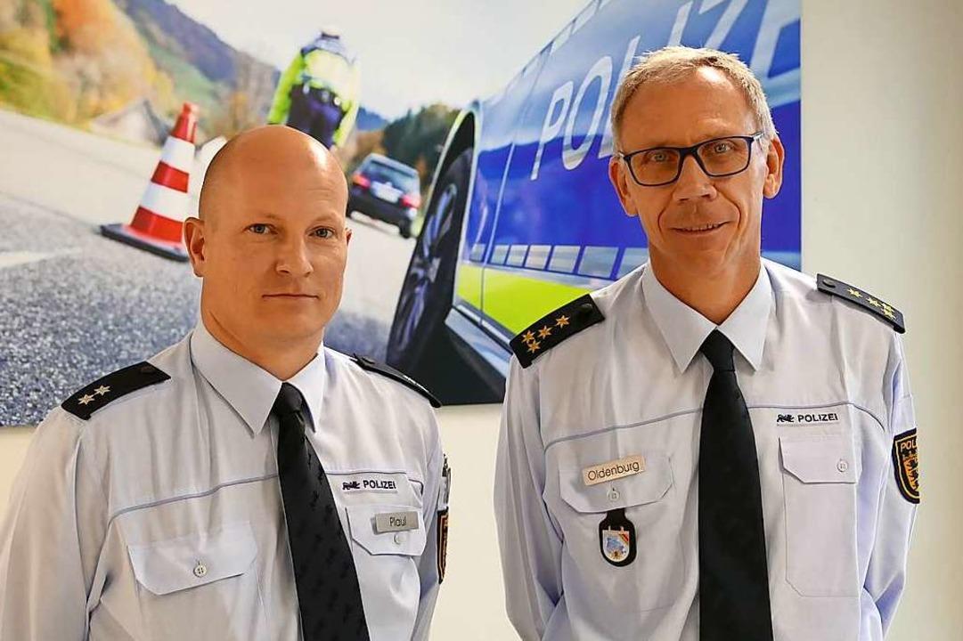 Ronny Plaul (li.) und Uwe Oldenburg wo...ontrollen die Straßen sicherer machen.  | Foto: Dirk Sattelberger