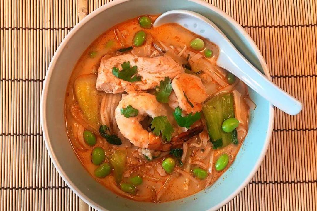 In ein Fischcurry gehören auch Shrimps.  | Foto: Stechl