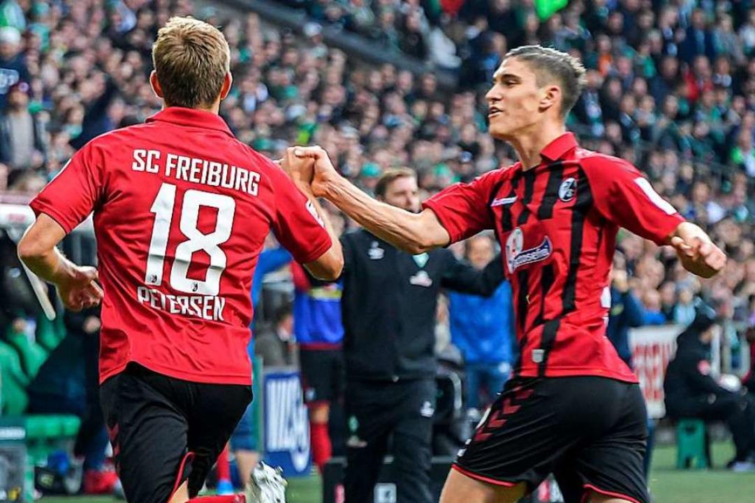 Nils Petersen erzielte zwei Tore gegen... Punktgewinn der Freiburger beteiligt.    Foto: Axel Heimken (dpa)