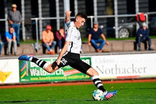 FC Teningen dreht eine umkämpfte Partie gegen den FC Auggen