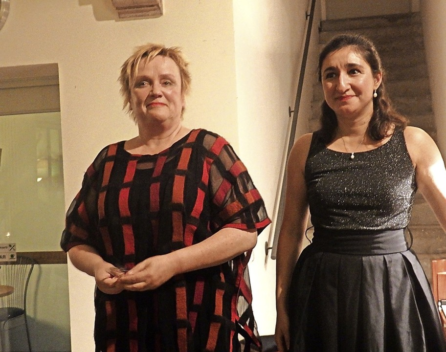 Die Pianistinnen Christine Schornsheim...erkstatt für historische Instrumente.   | Foto: Bianca Flier