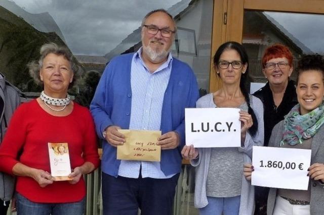 Frauenflohmarkt in Altenheim bringt Spendengeld