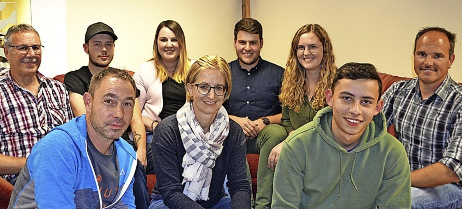 Neuer Vorstand (vorne, von links): Mic... Graß, Janina Behringer, Heiko Köpfer.  | Foto: Paul Berger