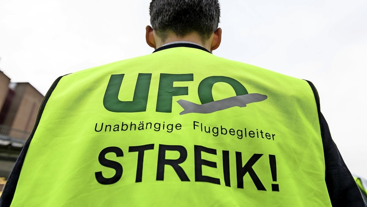 Die Flugbegleitergewerkschaft Ufo ist umstritten.   | Foto: Silas Stein (dpa)