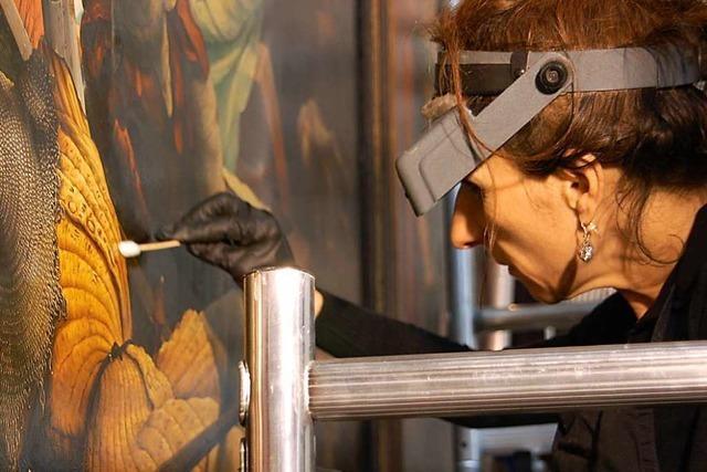 Wie der Isenheimer Altar vor den Augen der Besucher restauriert wird