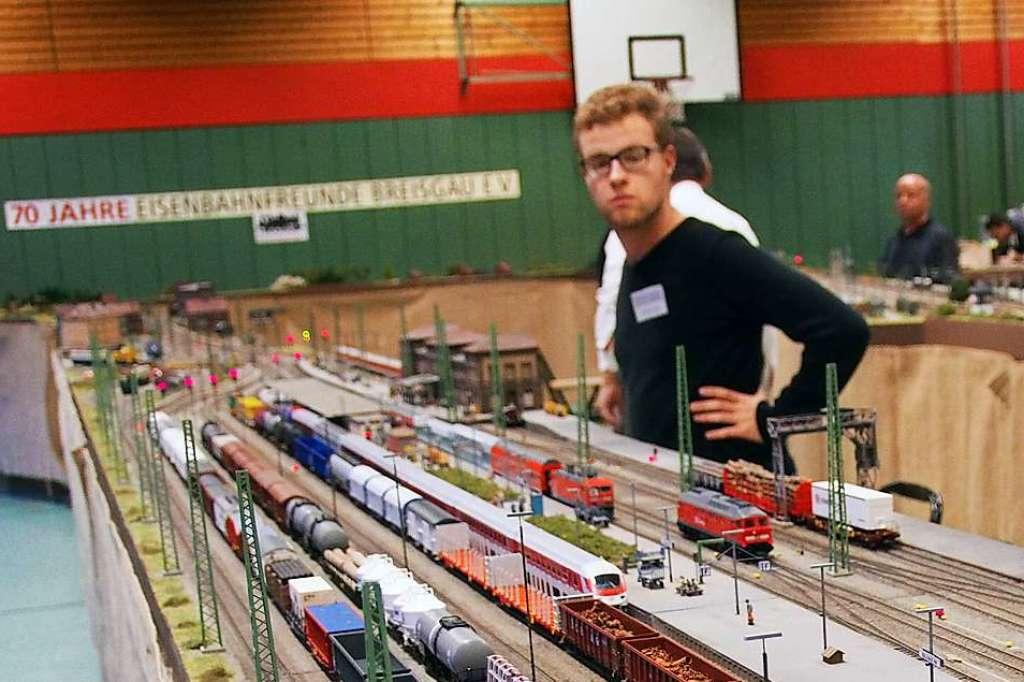 Modelleisenbahner zeigen in Kirchzarten-Burg ihre Schätze - Kirchzarten - Badische Zeitung