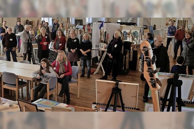 Artothek mit zahlreichen Künstlerinnen und Künstlern in Emmendingen