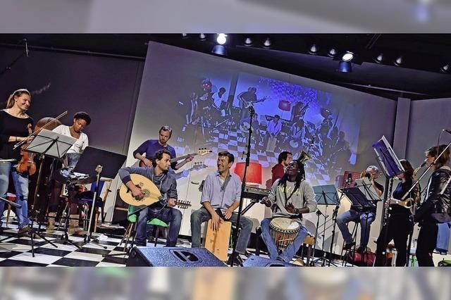 Heim und Fluchtorchester spielt in der Lutherkirche