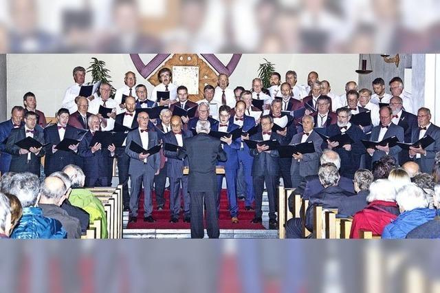 Kirche mit Sangeskunst erfüllt