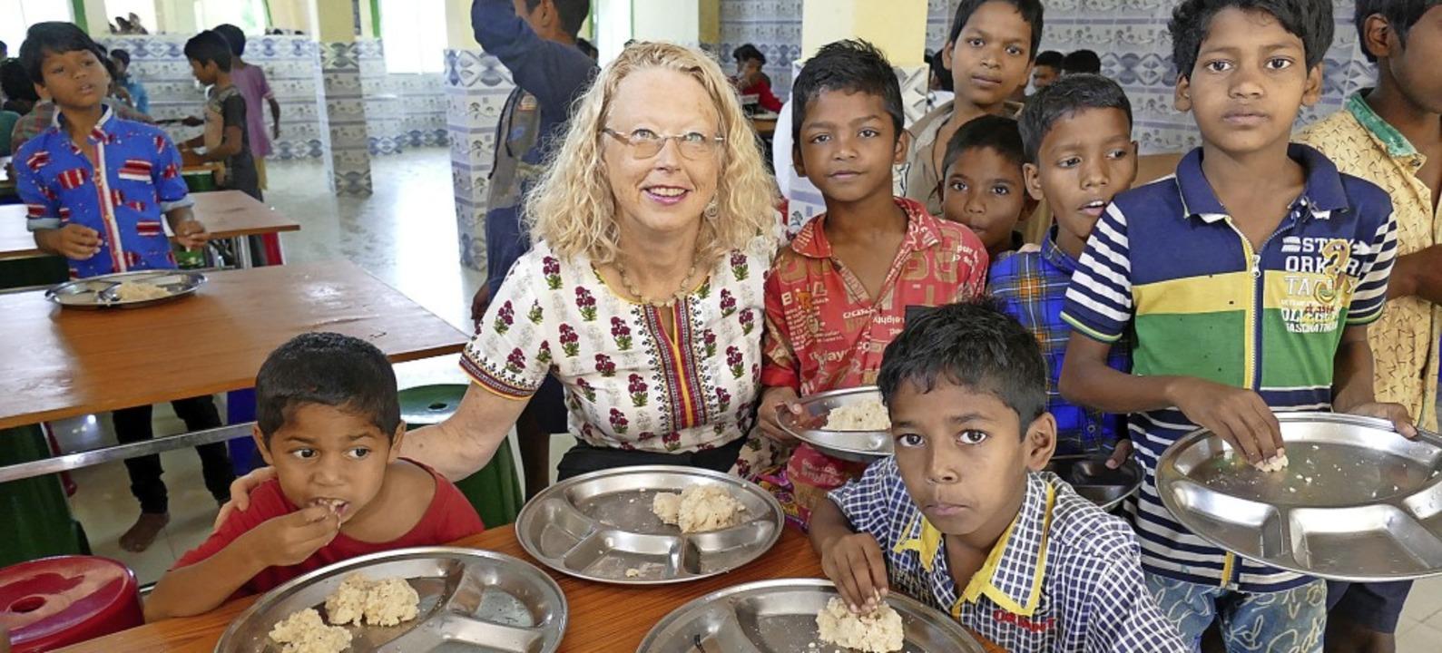 Cornelia Mallebrein freut sich mit den...as Essen dort nun noch mehr genießen.   | Foto: Dieter Maurer