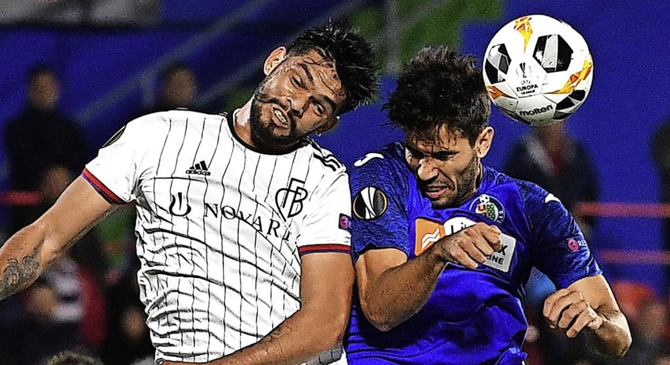 Knapp obenauf war der FC Basel mit Abw...dro Cabrera) vor 13 Tagen  in Getafe.   | Foto: PIERRE-PHILIPPE MARCOU (AFP)