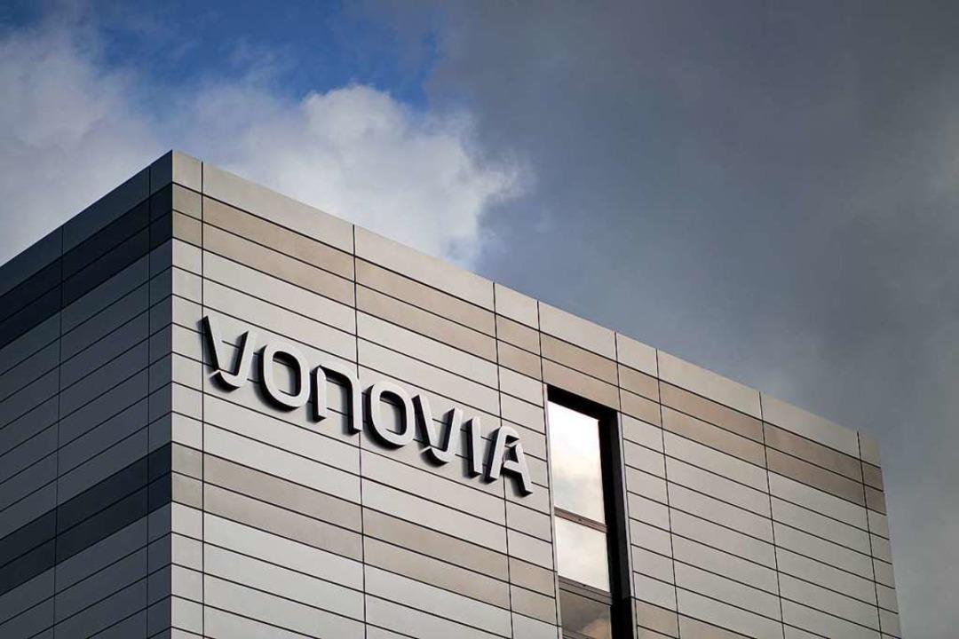 Insgesamt rechnet Vonovia 2020 mit Mieteinnahmen von rund 2,3 Milliarden Euro.  | Foto: Marcel Kusch (dpa)