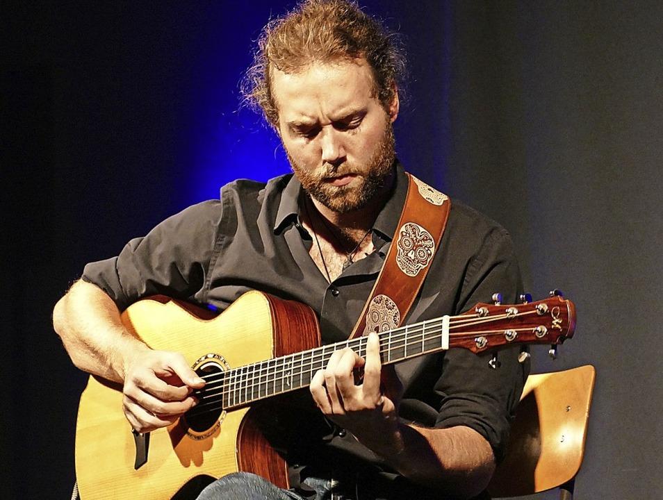 Begeisterte mit seinem Gitarrenspiel: Zarek Silberschmidt  | Foto: Martina David-Wenk
