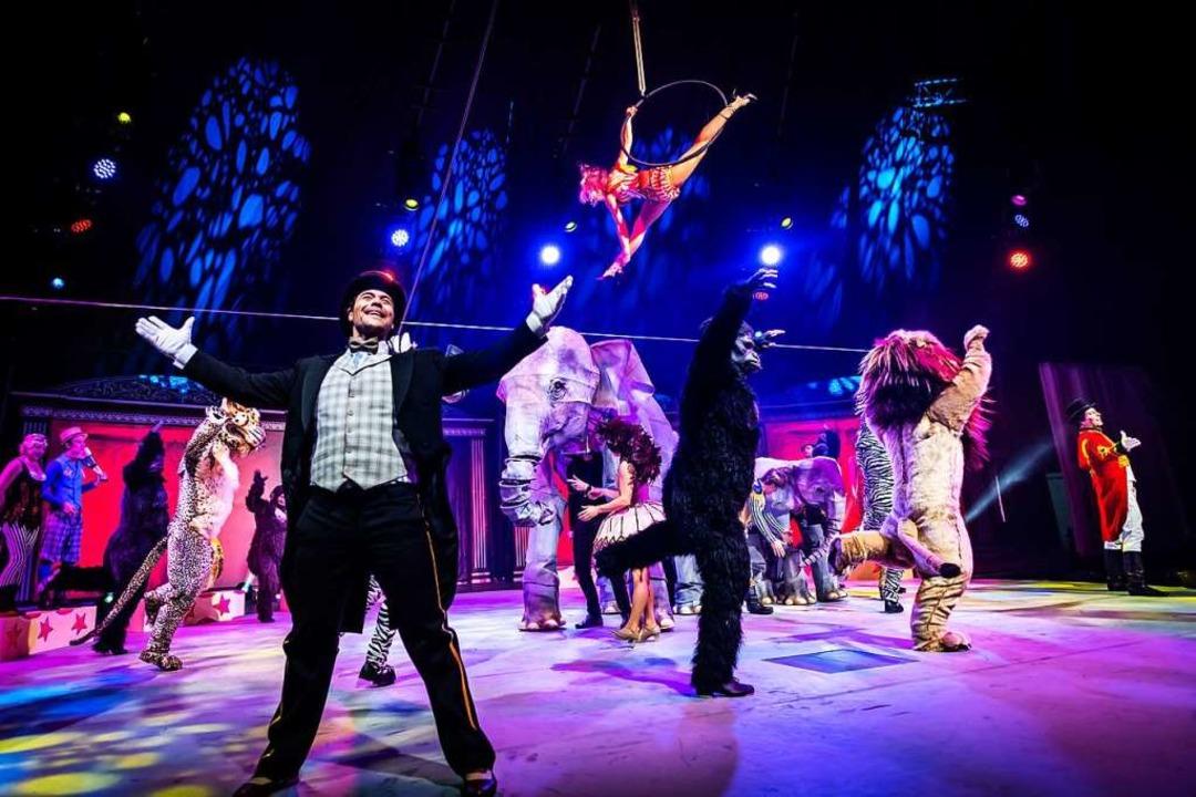 Theater im Theater: die Zirkusfamilie Knie  | Foto: Lukas Pitsch
