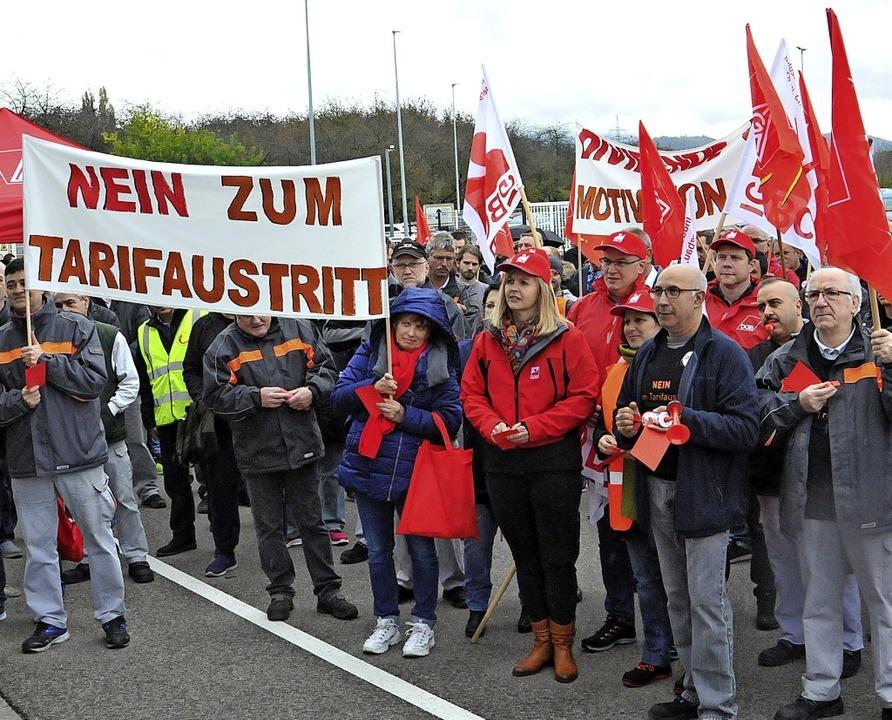 Die PWO-Beschäftigten wollen im Flächentarif bleiben.   | Foto: Löhnig