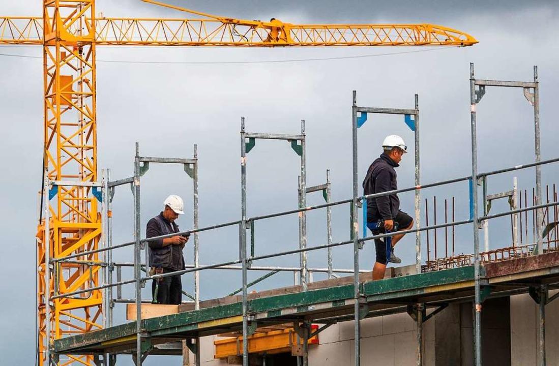 Jede Menge Arbeit auf deutschen Baustellen  | Foto: Cindy Riechau (dpa)