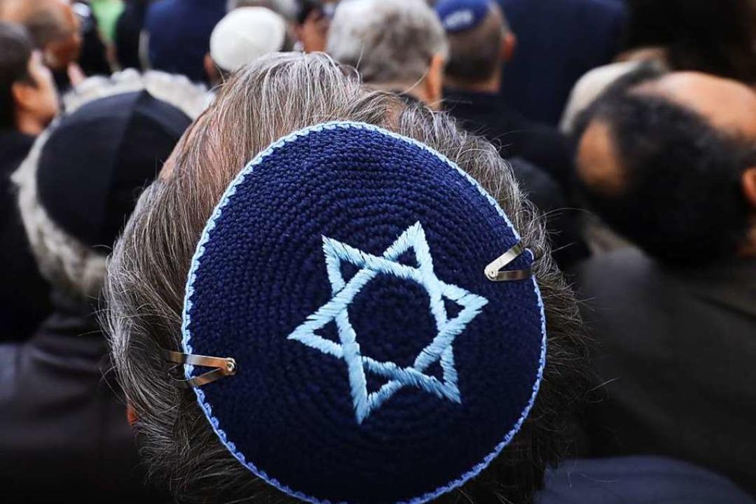 Antisemitische Übergriffe sind Alltag ...etroffenen geholfen wird (Symbolbild).    Foto: Michael Kappeler