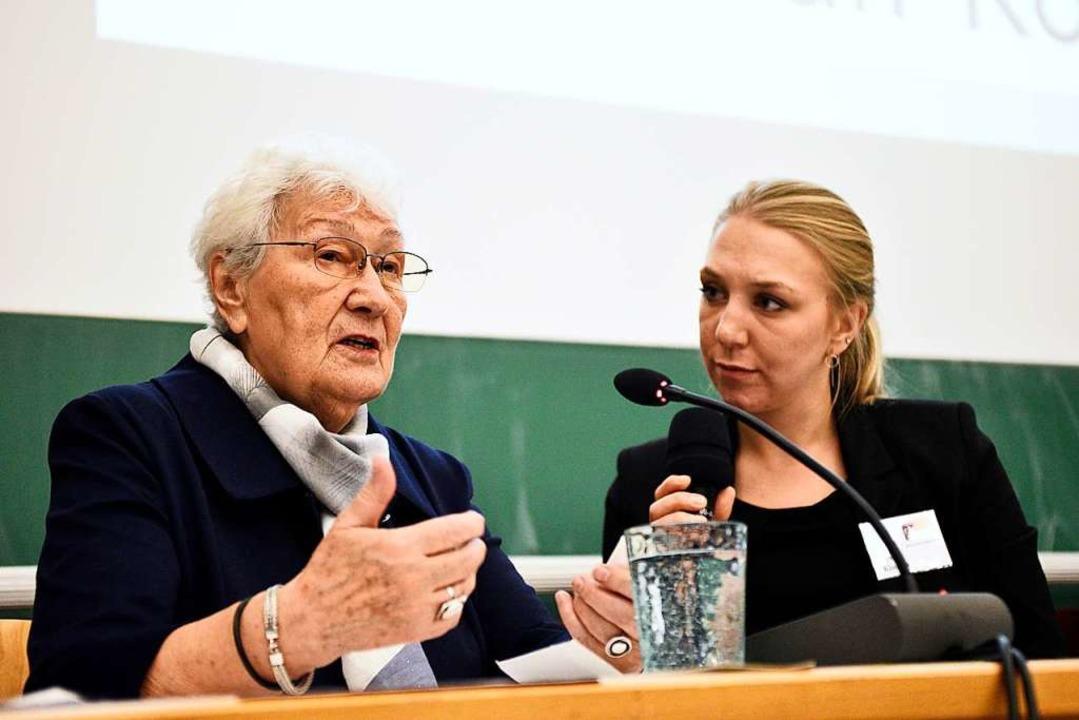Zdzislawa Wlodarczyk spricht über  ihr... Klutzka übersetzt aus dem Polnischen.  | Foto: Thomas Kunz